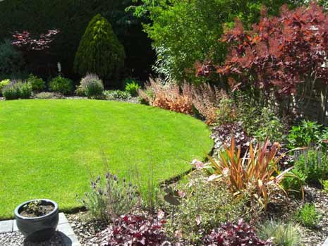 Garden design portfolio reading wokingham berkshire for Domestic garden ideas
